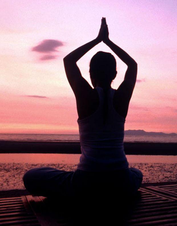 A yoga é uma prática com muitos benefícios essenciais para o corpo. Se você ...