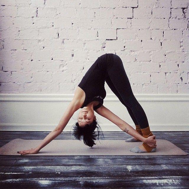 @YogaPhotosToday yogaeverydamnday yoga yogi yogini yogaeveryday tumblr yoginis n...