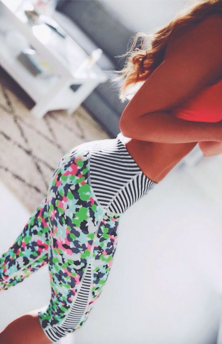 Cute workout clothes | Workout Tights | Fitness Apparel @ www.fitnessappare...