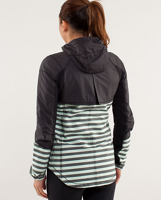 Lululemon RUN:Get Up And Glow Jacket- another reflective option for dark running...