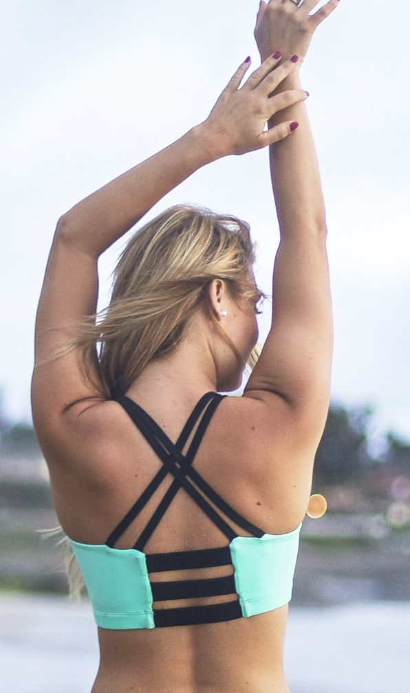 This sports bra is everything! Love this mint color and the super cute strappy b...