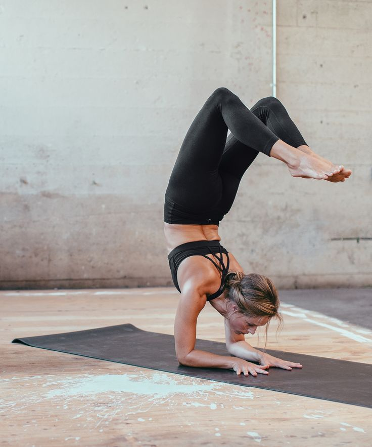 Lululemon Align Pants in black We designed these tight-fitting practice pants to...