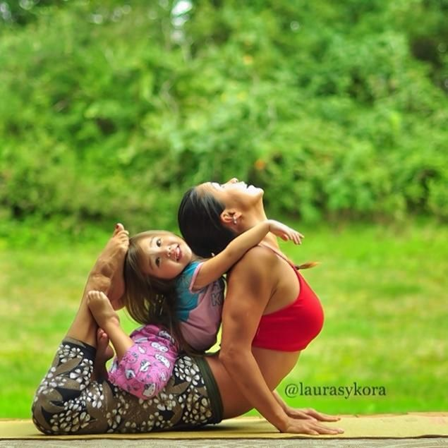 Laura Sykora & Family. Beautiful photo's    Loved and pinned by www.downdogbouti...