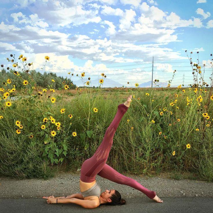 @AlissaYoga featured in the Sunny Strappy Bra & Vitality Legging. #aloyoga #beag...