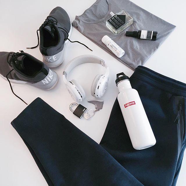 Gym bag essentials  #flatlay #flatlayapp