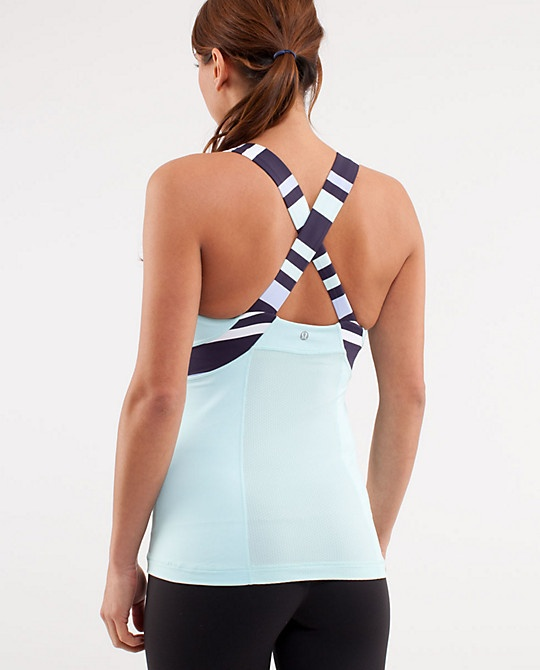 Lululemon is by far the best workout gear. Sarah Chintomby Liberi
