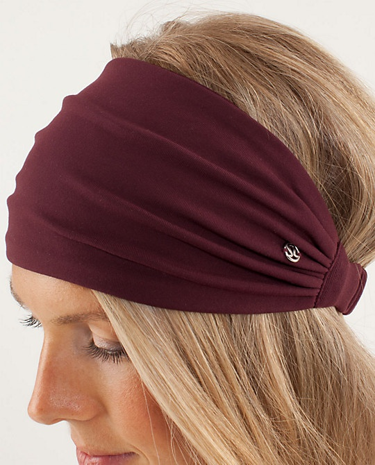 Lululemon Bang Buster Headband, for early travel and bad hair days @Jesica Cocke...
