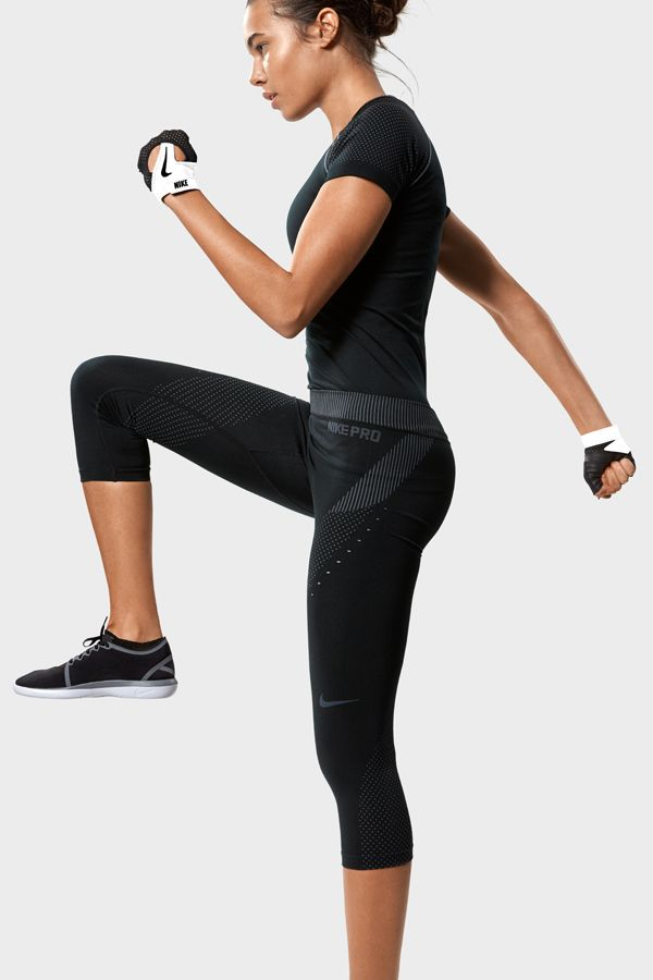 The Nike Pro Hypercool Limitless Women's Training Capri features wrap-around m...