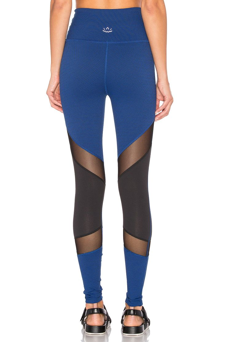 Beyond Yoga Deco Mirror High Waist Legging em Black & Cobalt | REVOLVE