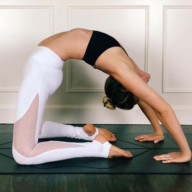 Alo Yoga Coast Legging #yoga #yogainspiration