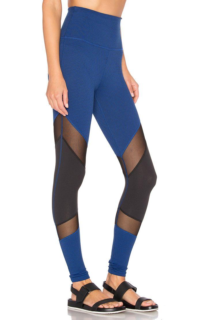 Beyond Yoga Deco Mirror High Waist Legging em Black & Cobalt | REVOLVE