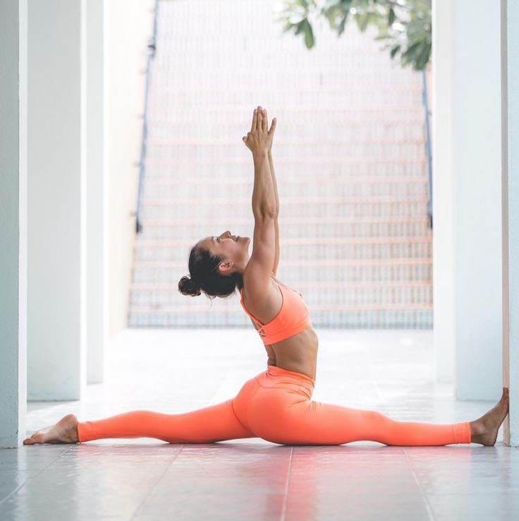 Briohny Smyth is featured in the #AloYoga High Waist Airbrush Legging and Interl...