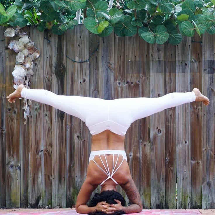 The Alo Yoga Sunny Strappy Bra #yoga #yogainspiration