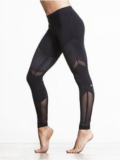 These leggings not only look super cool, but are also functionable. I play sport...