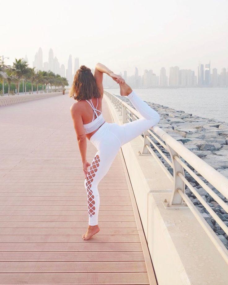 Jessica Olie is wearing the #AloYoga Interlace Legging #yoga #inspiration #goals