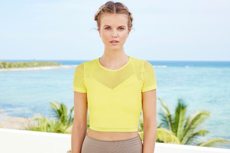 Love the new Mesh Crop. Find this and more new pieces at aloyoga.com. #aloyoga #...