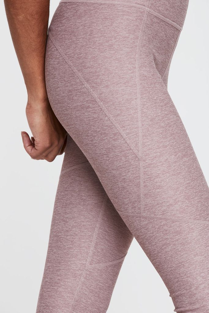 Built for a body on the move, the Warmup Legging is crafted with our OV Textured...