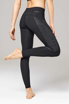 ♡ Women's Reflective High Wait Leggings | Workout Outfis | Workout Clothes...