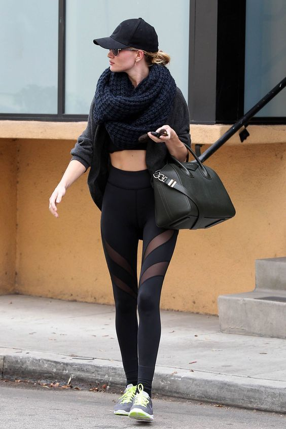 Rosie Huntington-Whitley | athleisure sporty chic sporty style streetstyle fashi...