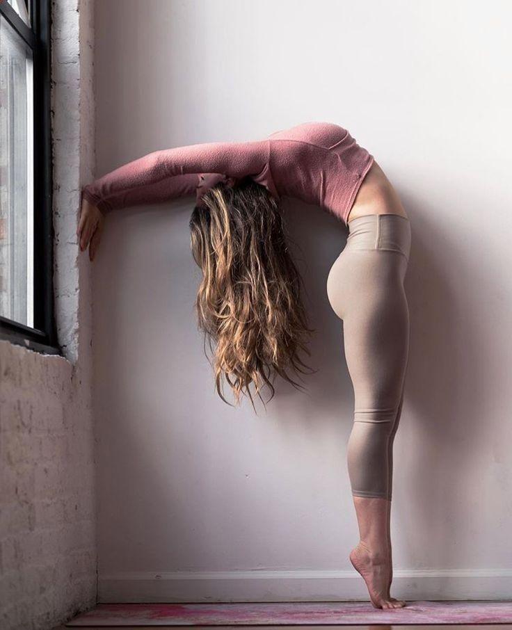 Easy Yoga Workout - Easy Yoga Workout - yoga, yoga for beginners, yoga hot, yoga...