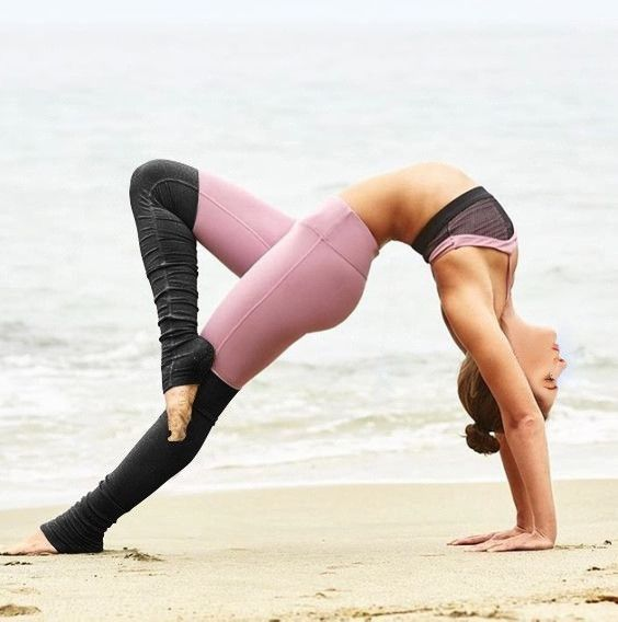 Ribbed yoga leggings are now trending, as they offer a unique look that has yet ...