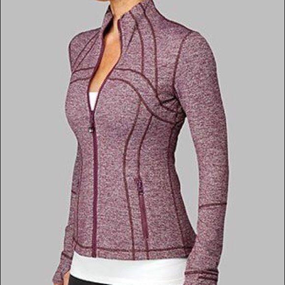 Define Jacket Rare Color: Static Plum. Size 4. Beautiful lululemon jacket. Excel...