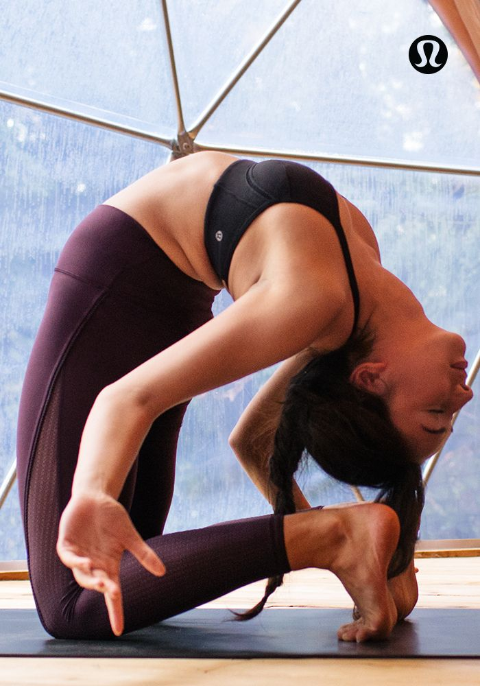 Let your body breathe in lightweight, technical yoga gear.