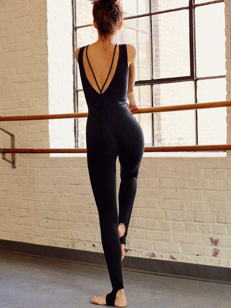 Luma Grothe    FR MOVEMENT Open Heart Be Free Blend Performance Bodysuit (Black)