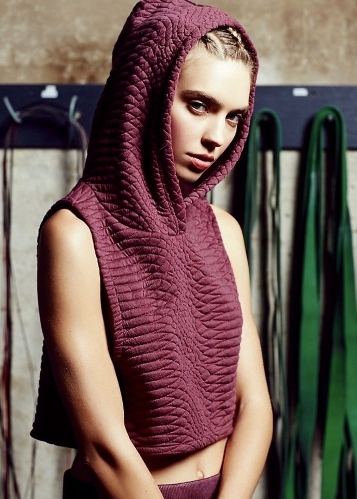 NEW Free People Movement purple Textured Crop Sleeveless Hood Yoga Sweatshirt M ...