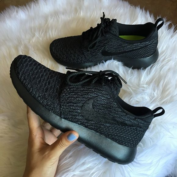 hot sale online 995a6 f669c Women s Nike Roshe One Flyknit ID Brand new with box but no lid. Customized  .