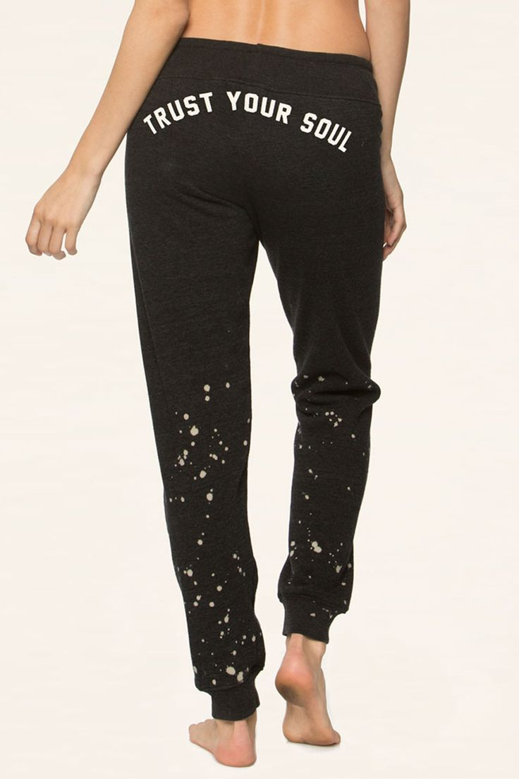 The season just got cozier in our fleece favorite sweatpant. Features drawstring...