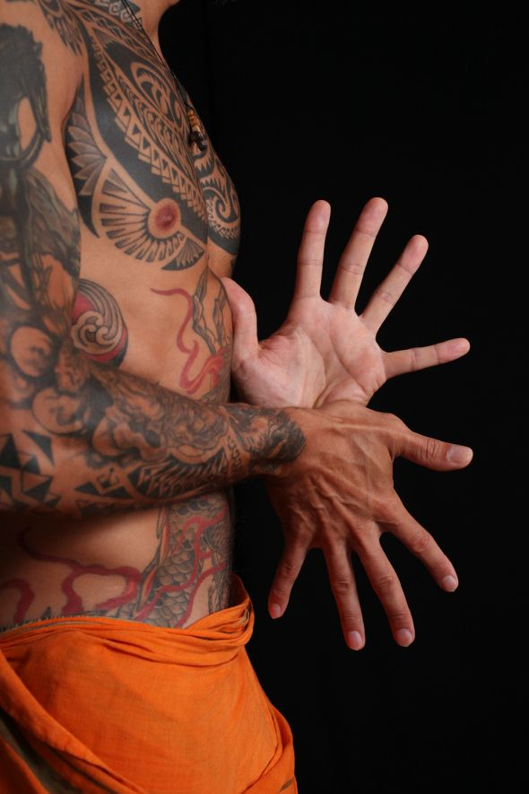 Sun and Moon Mudra - Try putting your hands like this. It's a hand mudra and r...